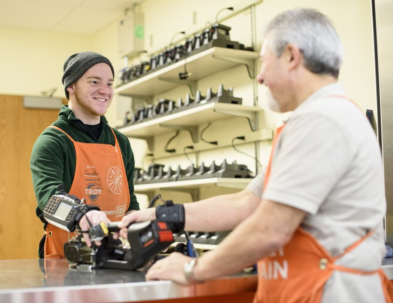 Home Depot Employee Services >> Top Employer Home Depot Of Canada Inc